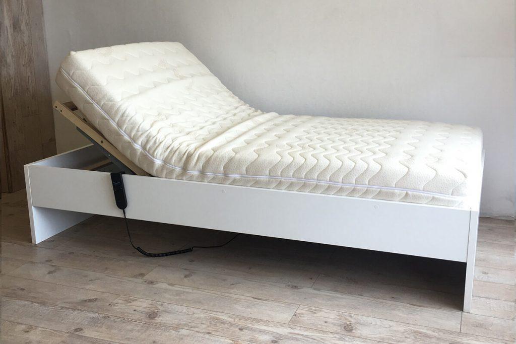 Hasta yatağı karyolası