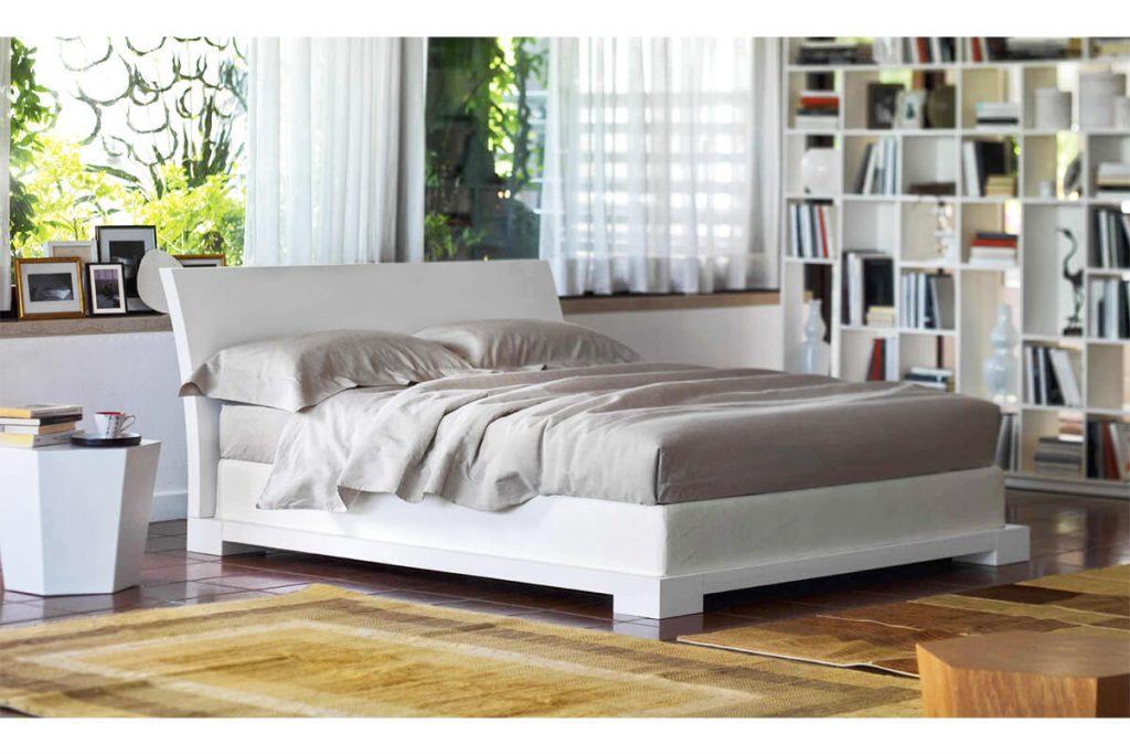 Beyaz yere yakın yatak modelleri